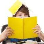ragazza adolescente di apprendimento — Foto Stock #1618413