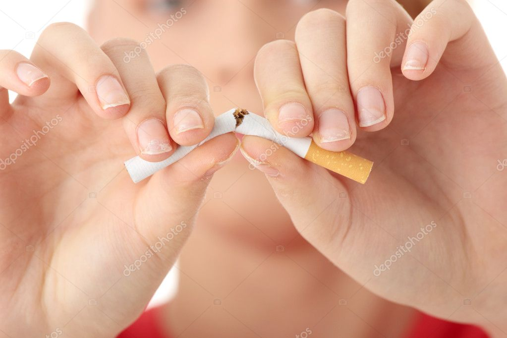 Young caucasian woman quiting smoking isolated — Stock Photo #1620115
