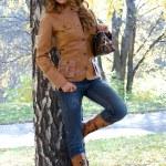 la bella ragazza nel parco — Foto Stock