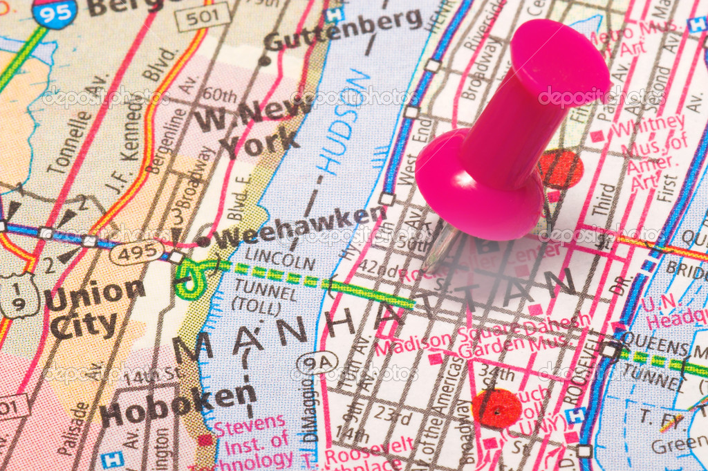 A push pin in a map of New York City — Stock Photo #1627158