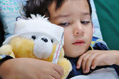 Rapaz doente — Foto Stock