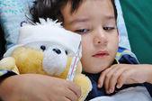 生病的男孩 — 图库照片