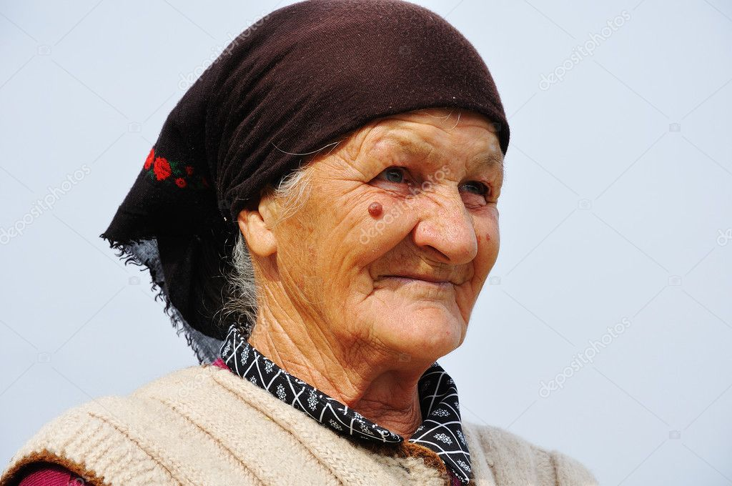 Very old woman with expression on her face — Stock Photo #1833292