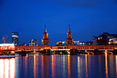 Berlin oberbaumbruecke bridge by night — Stock Photo