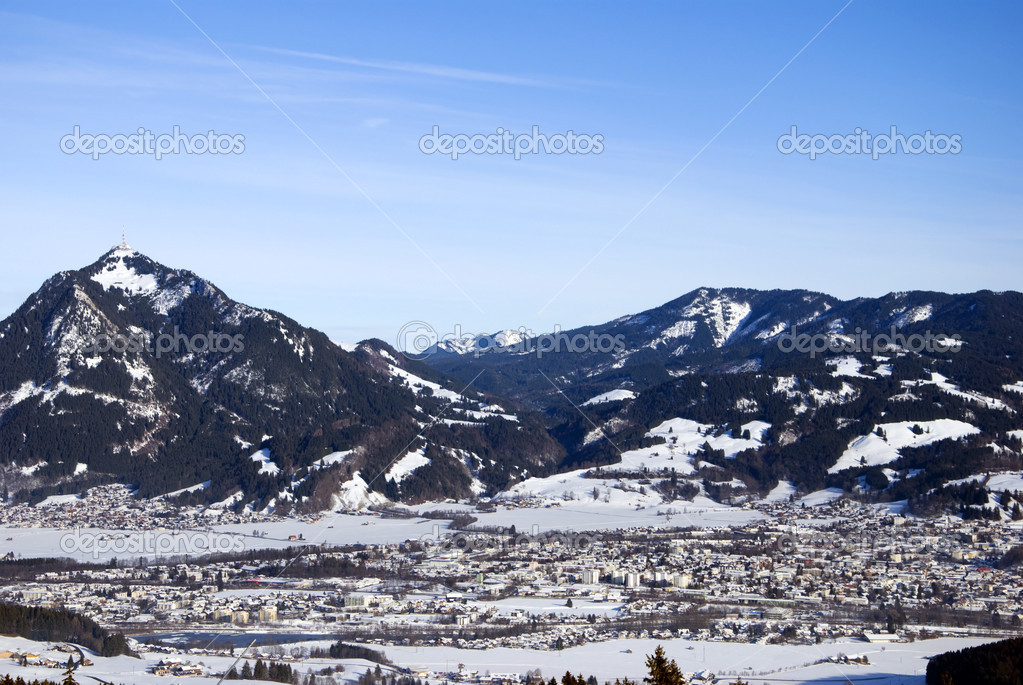 Mount grunten in bavarian alps and the village sonthofen — Stock Photo #1626477