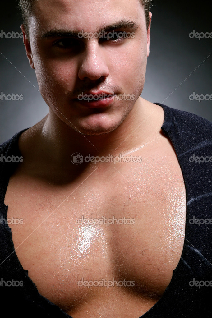 Young and beautiful muscles man — Stock Photo #1722720