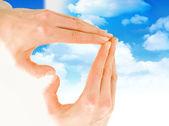 Cuore e mani — Foto Stock