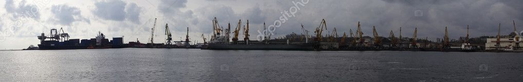 Panoramic view of Odessa seaport with cranes and ships — Stock Photo #1671917