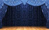 Escena de apertura de la cortina de terciopelo azul — Foto de Stock