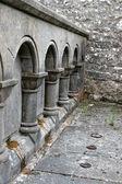 Antico muro ad arco, irlanda — Foto Stock