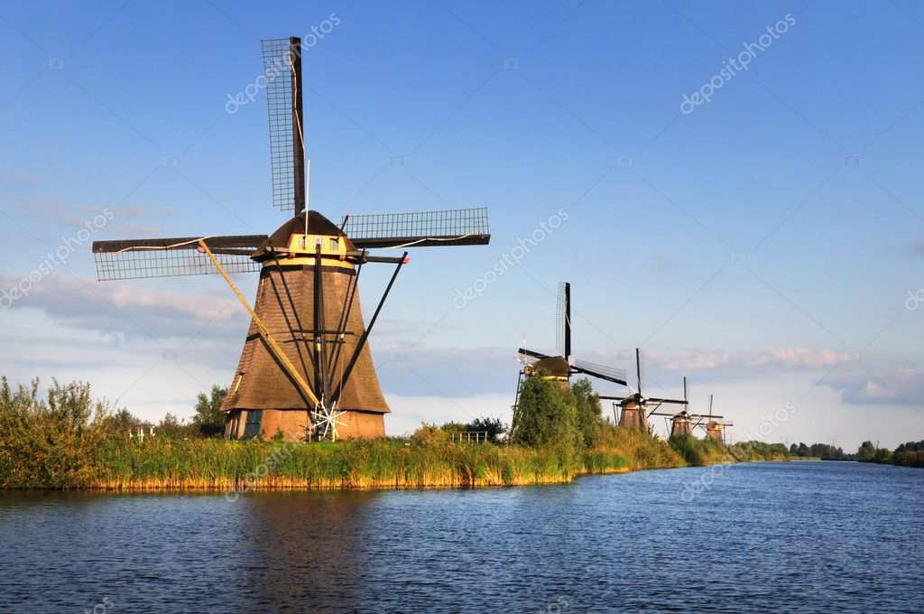 Windmill in Kinderdijk, Holland  — Stock Photo #1710643