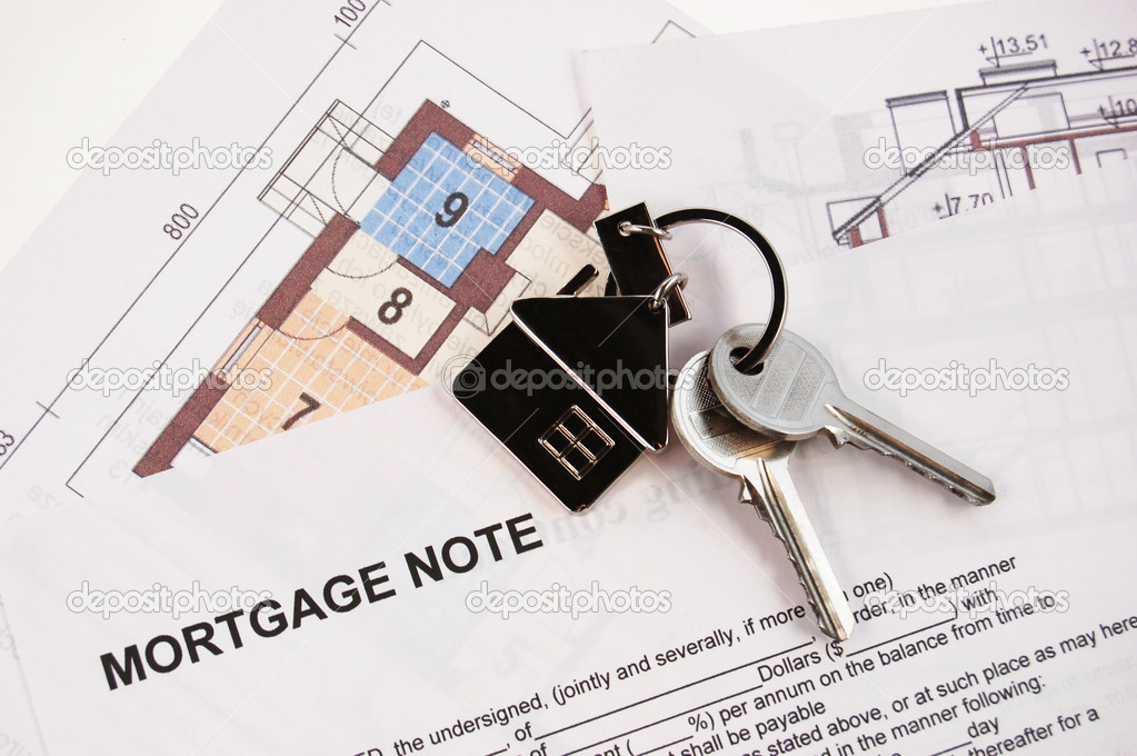 Keys on mortgage note and blueprints — Foto Stock #1707618