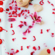 Woman bath flower — Stock Photo