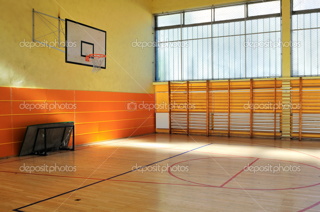 Elementary school gym indoor — Stockfoto #1671009