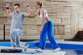 Instrutor de fitness pessoal — Foto Stock