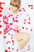 Woman bath flower — Stock Photo