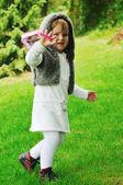 Moda crianças ao ar livre — Fotografia Stock