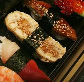 Japanese traditional sushi — Stock Photo