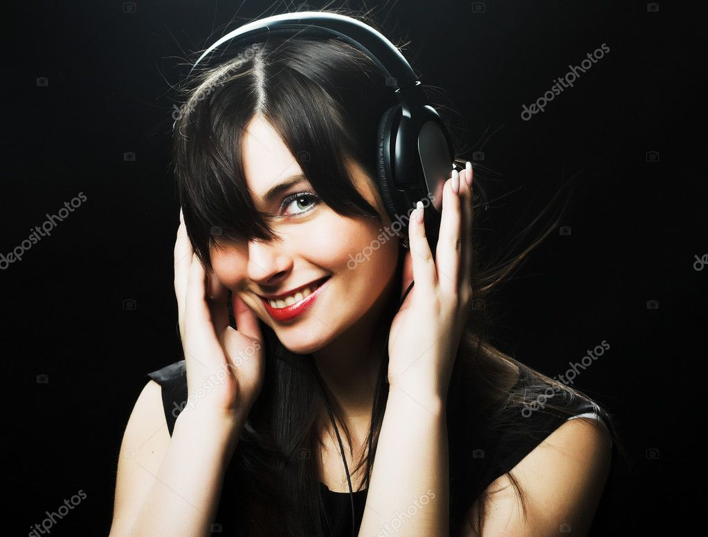 Beautiful Headphones Girl — Stock Photo #1670470