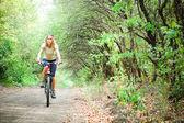 Garota bike — Foto Stock