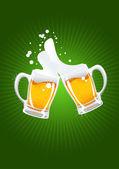 Dos jarras de cerveza — Vector de stock