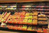 фруктовый и овощной магазин — Стоковое фото