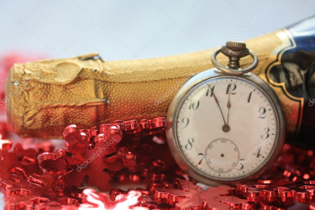 A vintage pocket watch counts down for the new year — Stock Photo #1697970