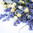 White and blue flower arrangement — Foto de Stock