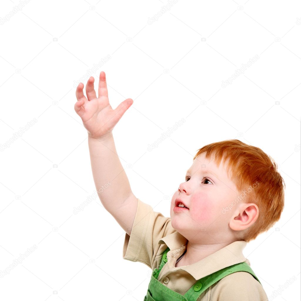 Ребенок тянет руку фото