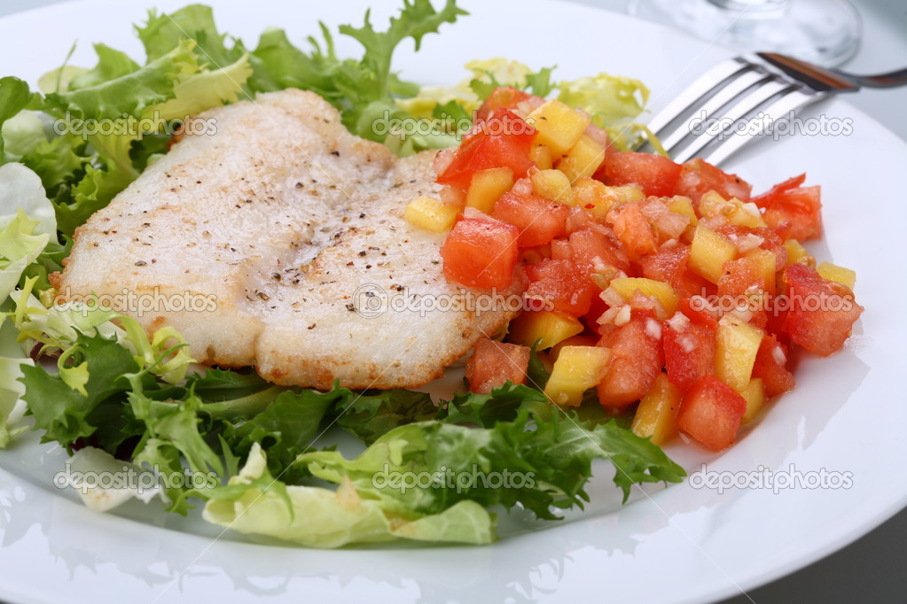 Fish fillet with vegetables — ストック写真 #1717325
