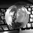 Globe and keyboard — Stockfoto