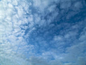 Clouds and blue sky — Stock Photo