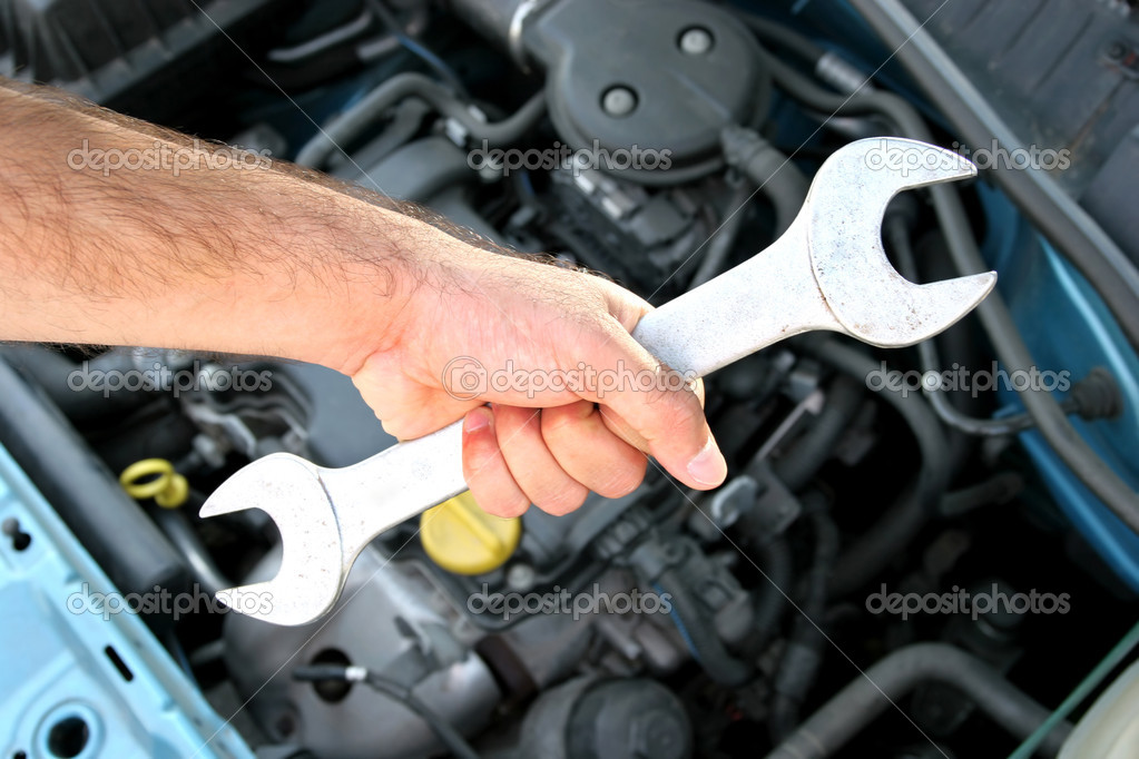 Handle double wrench, maintenance a car — Stock Photo #2182091