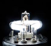 Tubo de flash de estúdio e a lâmpada do halogênio — Foto Stock