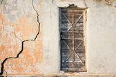 Ingången till grunge old house — Stockfoto