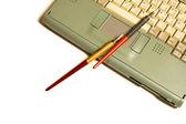Laptop, pen — Stockfoto