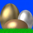 Gold and silver easter eggs — Stock Photo