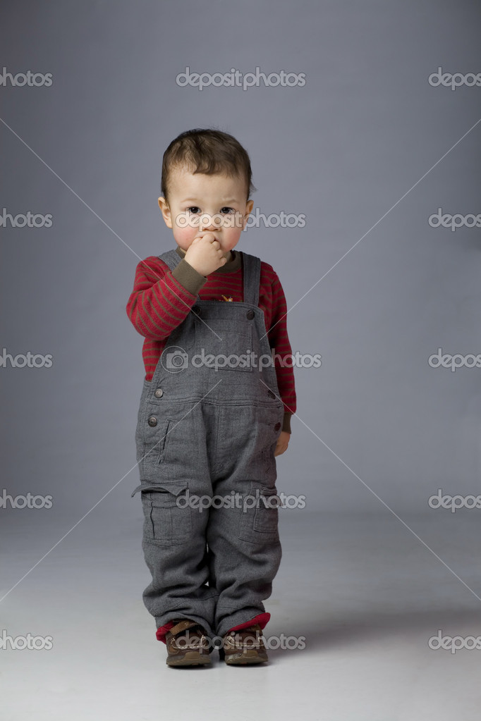 Cute young abandoned child with sad face — Stock Photo #1701198