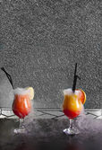 Cocktail cracks — Stock Photo