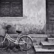 Bicycle and House Vietnam - Stockfoto
