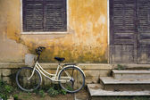 Bicycle and House Vietnam — Stock Photo