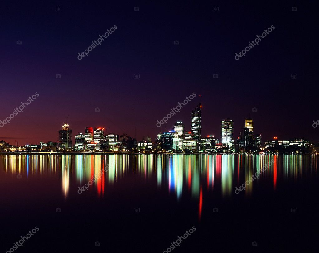 Night time view of city of perth reflected in swan river — Photo #1824456