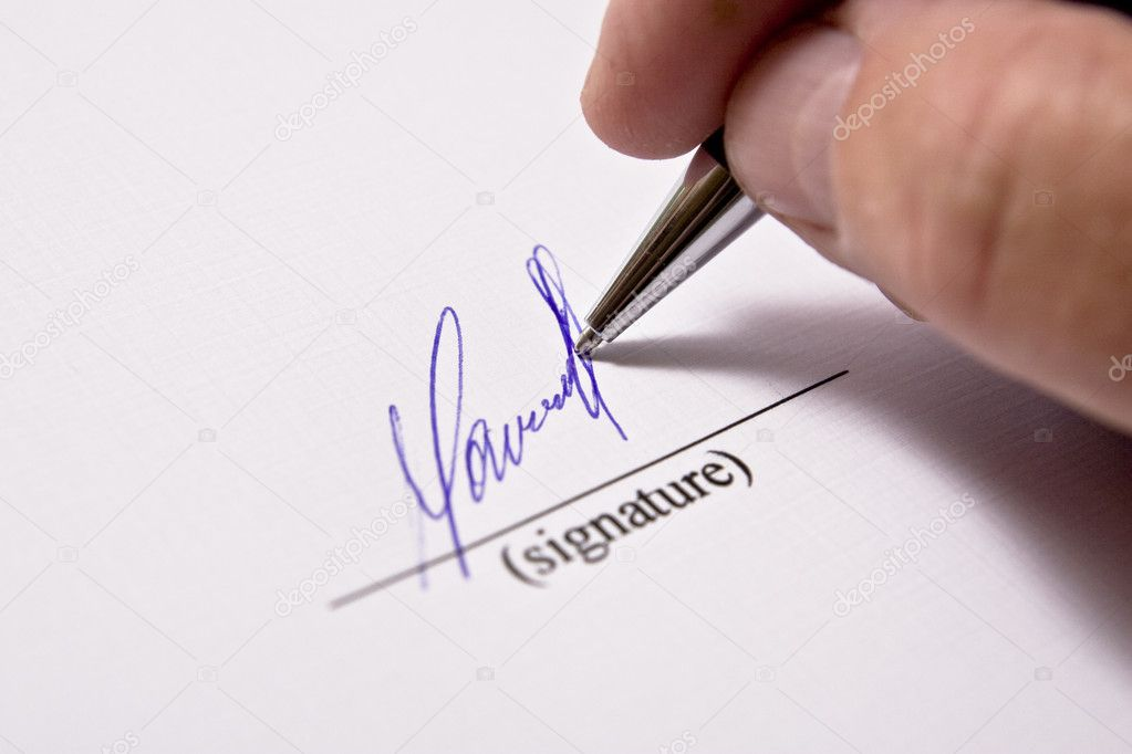 Man signing papers. The signature. — Foto de Stock   #1705427
