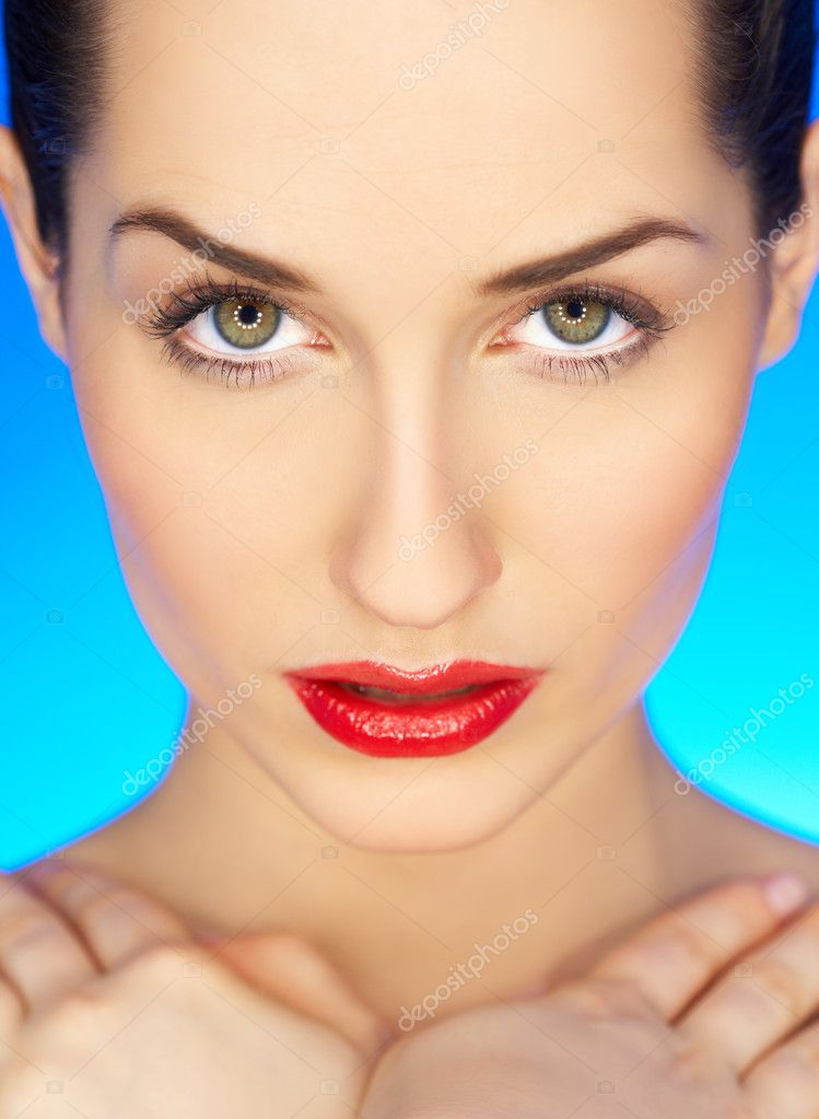 Portrait of beautiful woman with red lipstick — Stock Photo #1929604