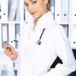 kadın doktor ameliyatta — Stok fotoğraf