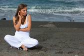 Woman on the Black Beach — Stock Photo