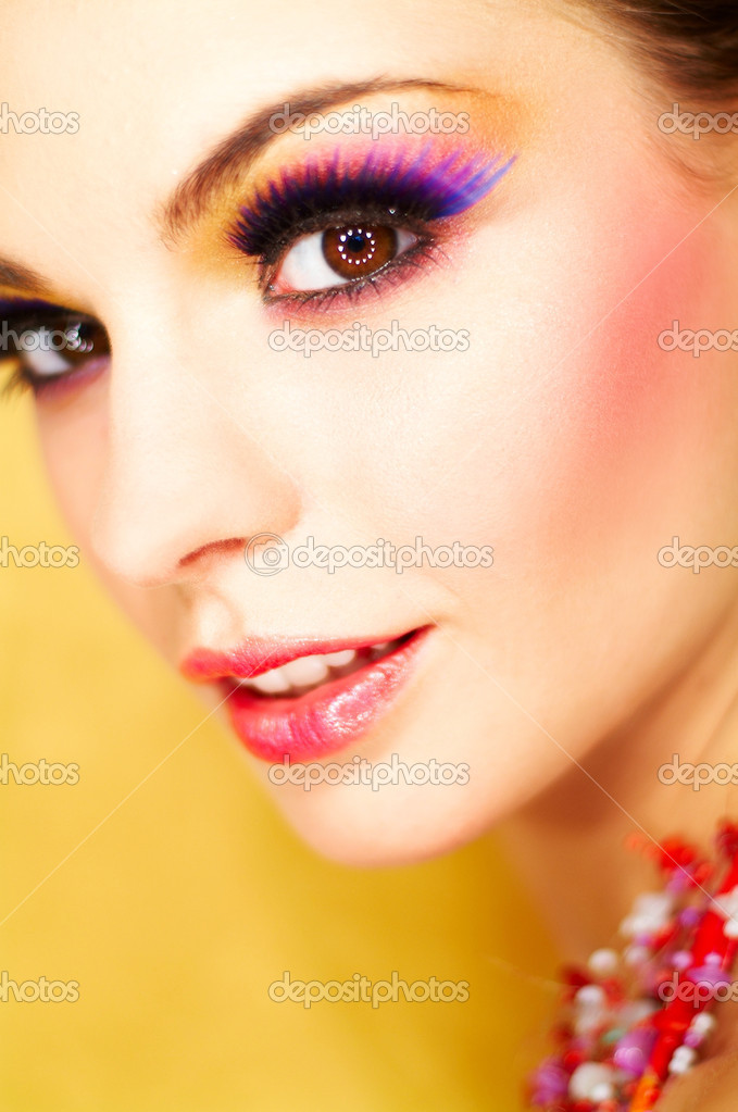 Portrait of attractive beautiful young sexy woman with artificial eyelashes and beautiful makeup — Stock Photo #1957235