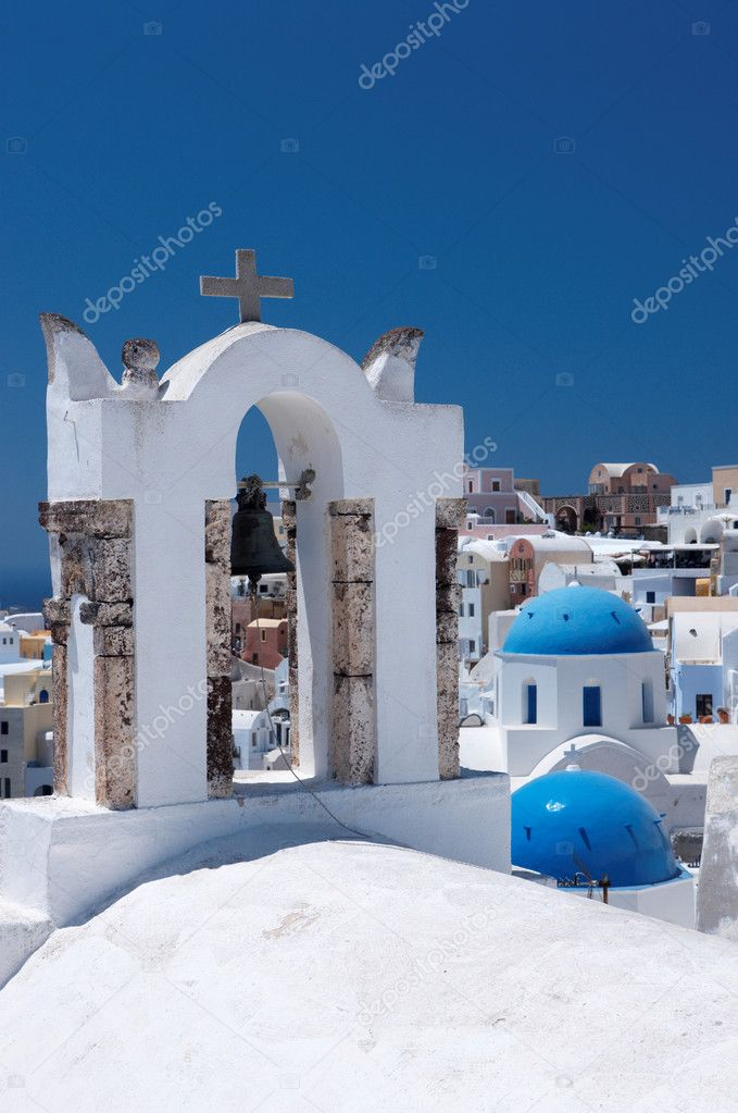 Wonderful view of City buildings and bay on Santorini, Greece — Stock Photo #1960241