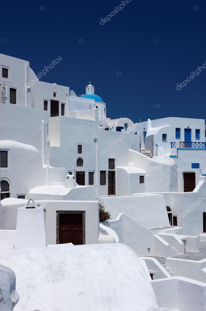 Wonderful view of City buildings and bay on Santorini, Greece — Stok fotoğraf #1960309