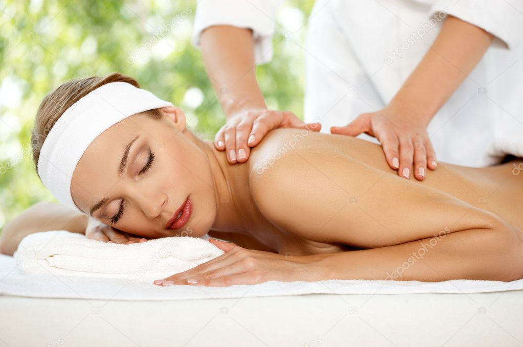 Young beautiful and relaxed lady taking spa treatment — Stock Photo #1963575